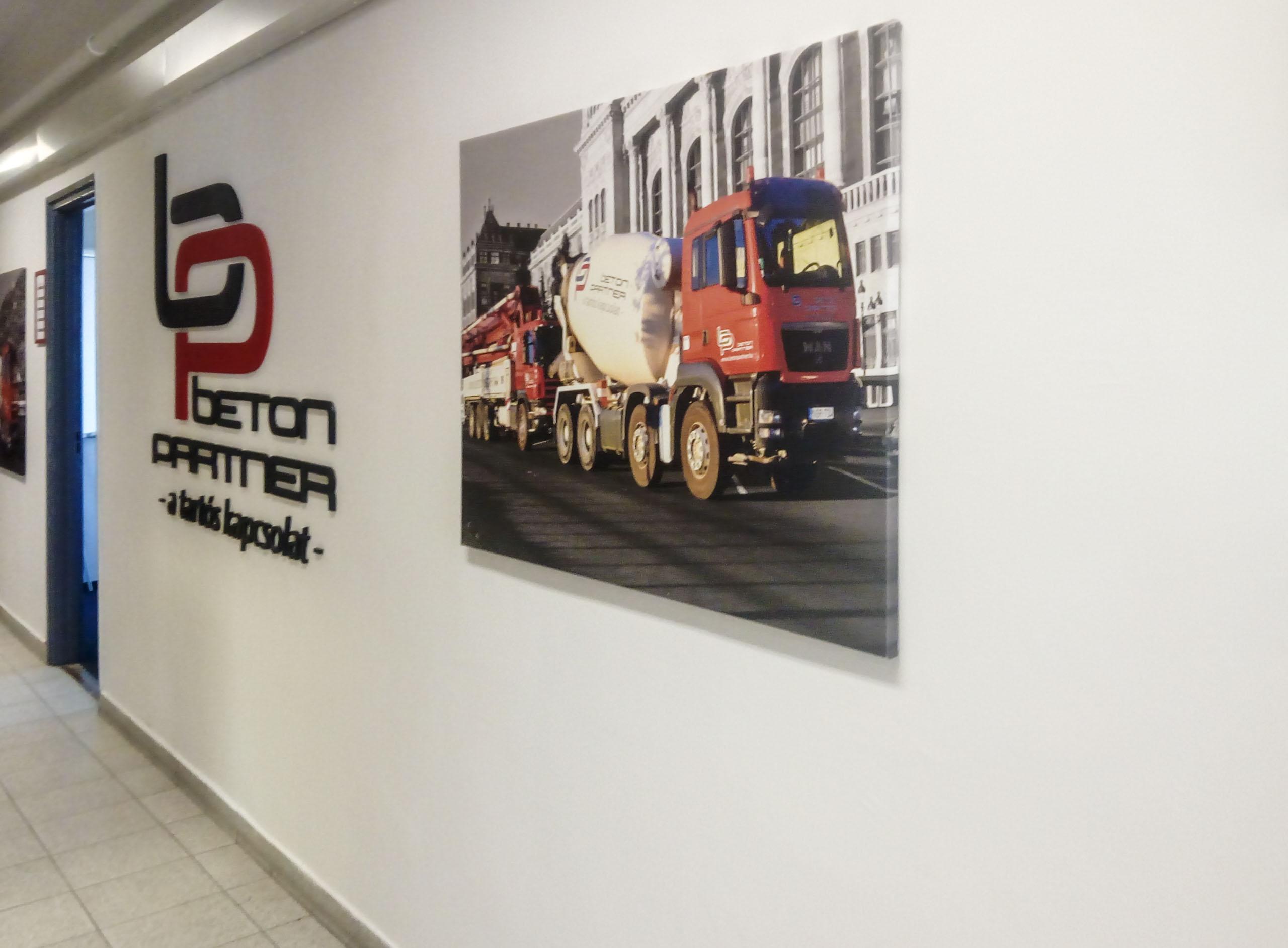 Betonpartner vászonkép  irodadekoráció