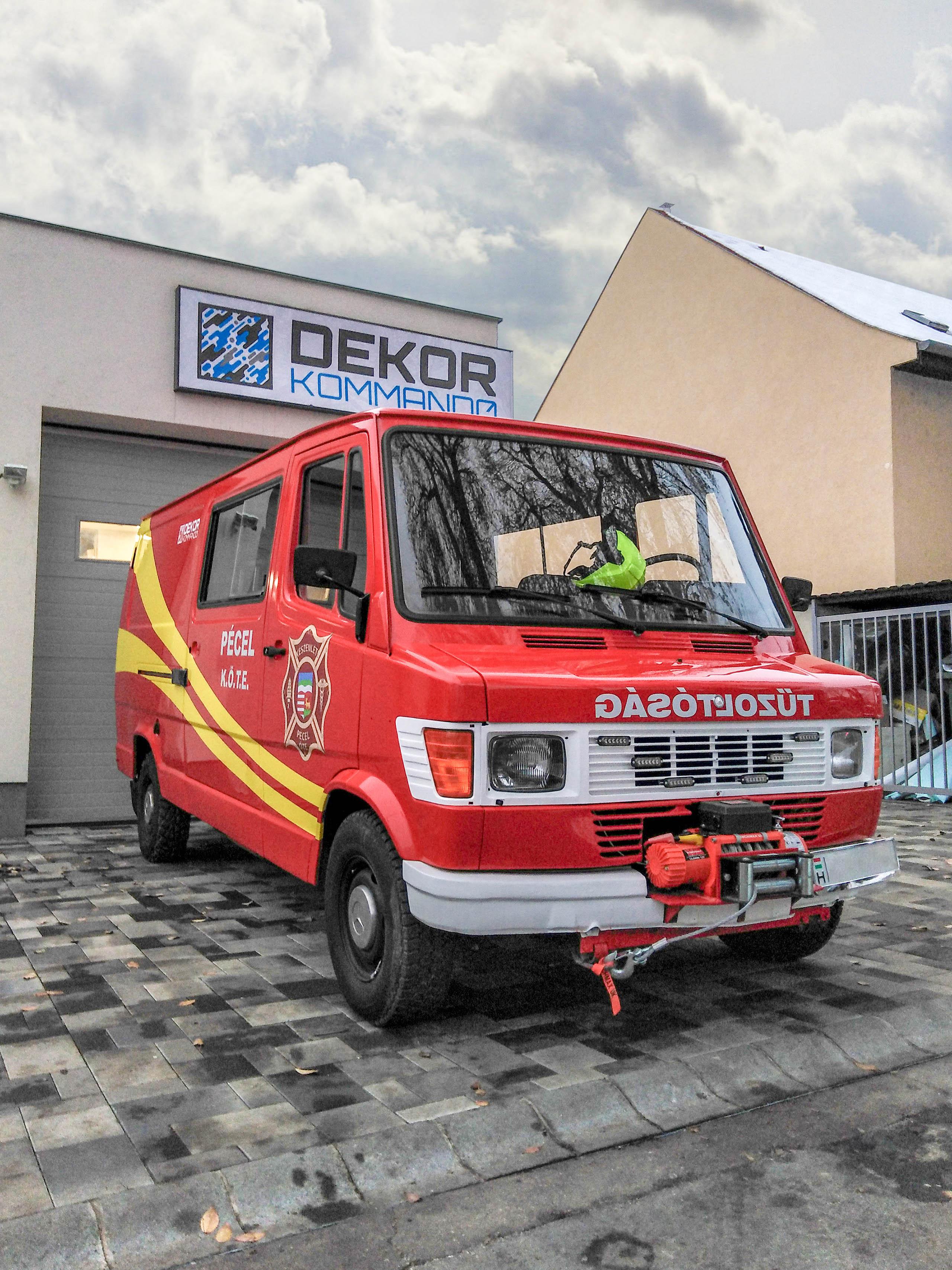Péceli Készenléti Önkéntes Tűzoltó Egyesület autódekoráció